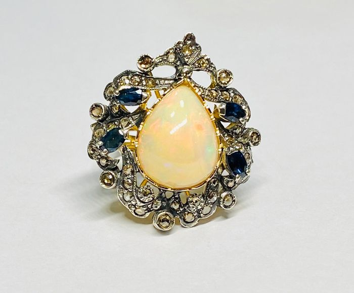 Gold - Ring - 8,00 ct Opal - Diamonds, Sapphires