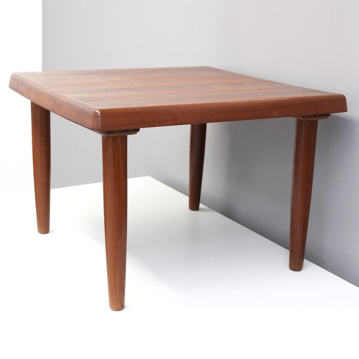 Niels Bach - Randers - Console table
