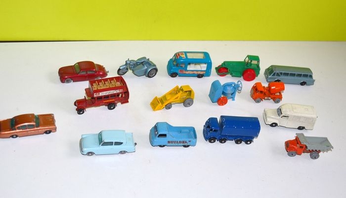 Matchbox - 1:76 - 15  vehicules