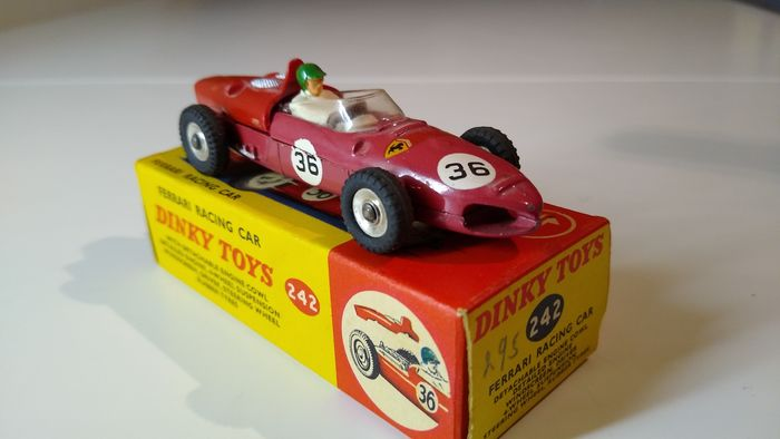 Dinky Toys - 1:43 - Ferrari racing car - no242