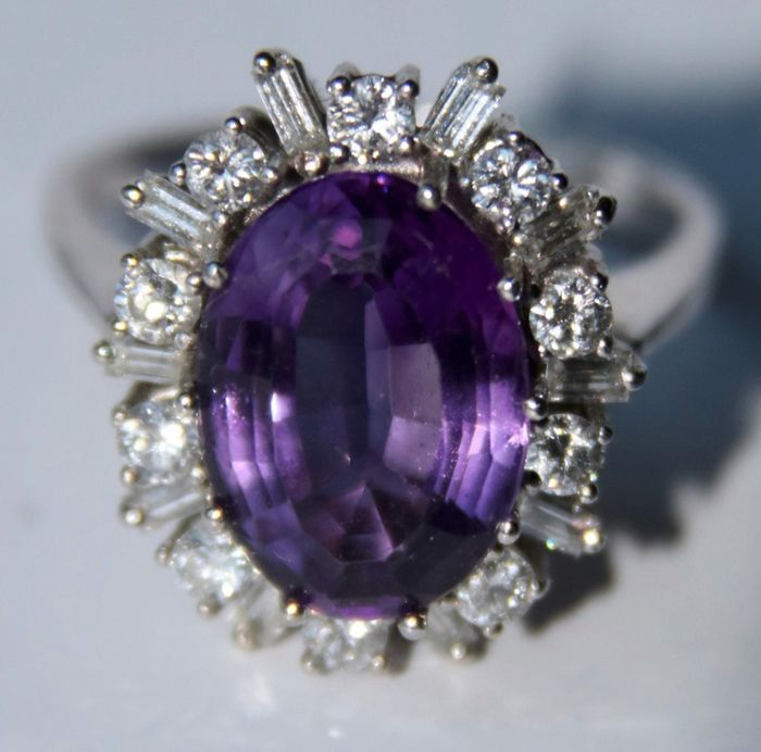 Maker's mark - 18 kt. White gold - Ring - 1.20 ct Diamonds G/VS1 - Top quality Amethyst 6.50 ct - excellent