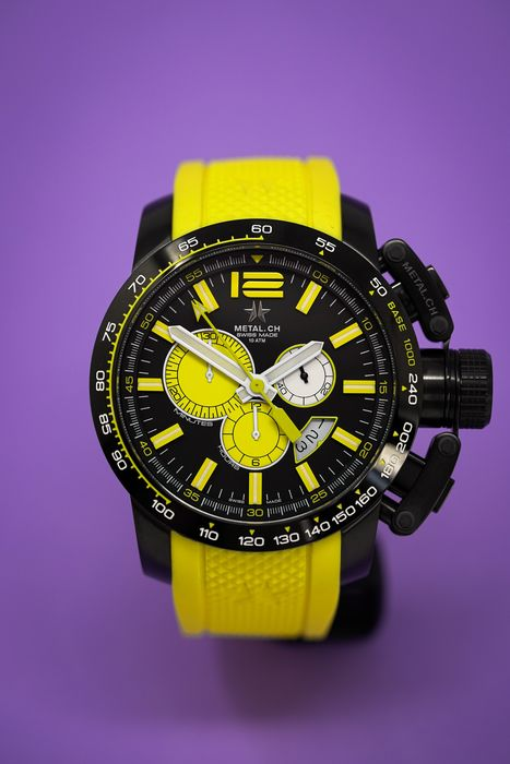 Metal.ch - Chronosport 47MM Black PVD Date with Yellow Rubber Strap Swiss Made - 4469.47 - Hombre - Brand New