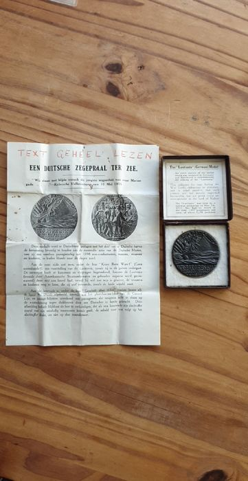 Germany, The Netherlands - R.M.S Lusitania medal  1915 with Dutch pamphlet in original case - Bronze