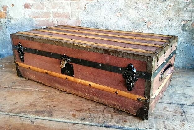 Cruise trunk from the early 1900s