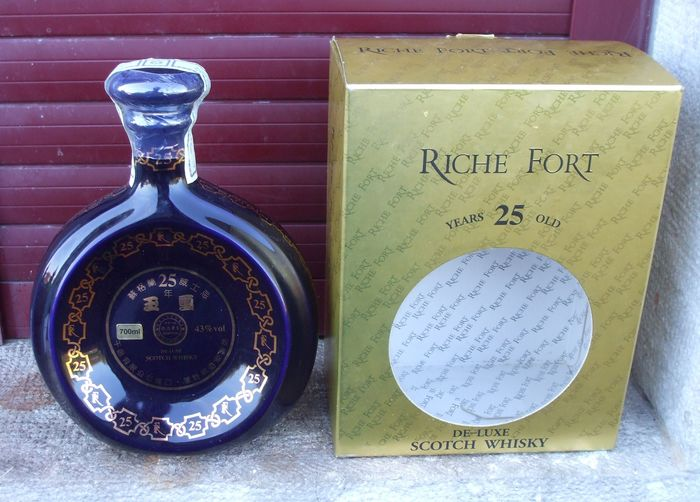 Riche Fort De-Luxe 25 years old Montrose Whisky company - 700ml