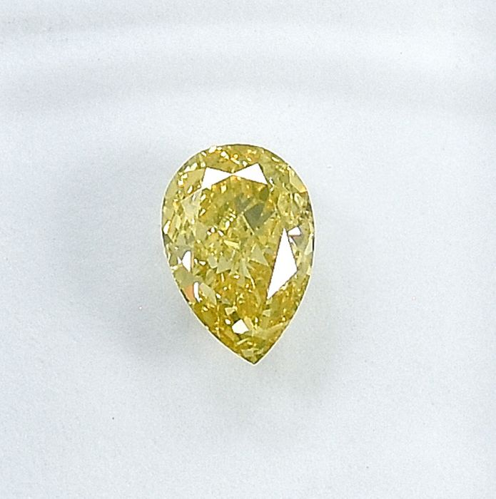 Diamant - 0.50 ct - Birne - Natural Fancy Light Greenish Yellow - Si1 - NO RESERVE PRICE