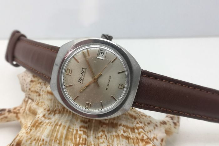 Nivada - Compensamatic - (AS 1951) - 17 Jewels - 33 mm - Unisex - 1970-1979
