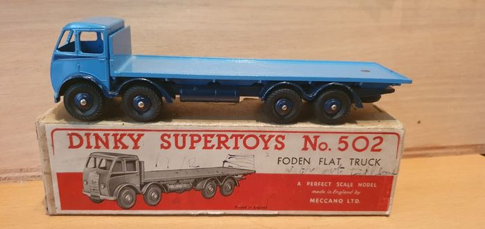 Dinky Toys - 1:50 - Dinky Toys nr. 502 Foden Flat Truck 1st issue cab - rarest color variation Supertoys