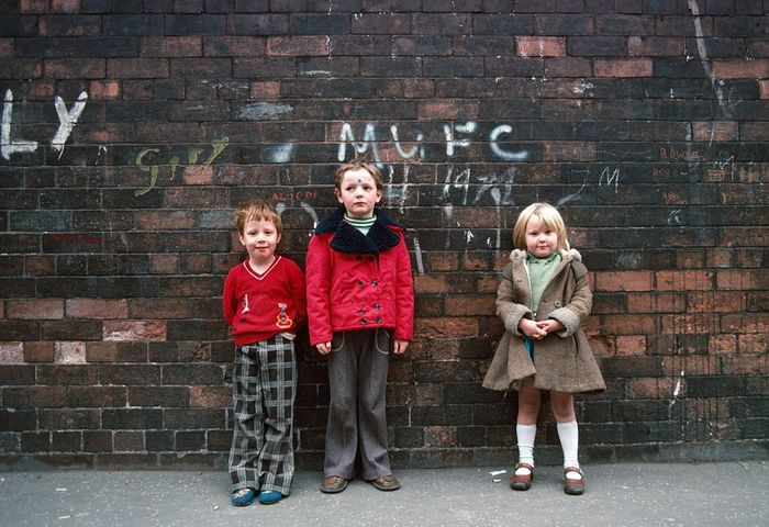 John Bulmer (1938-) - Manchester Manchester 167 Children and brick wall