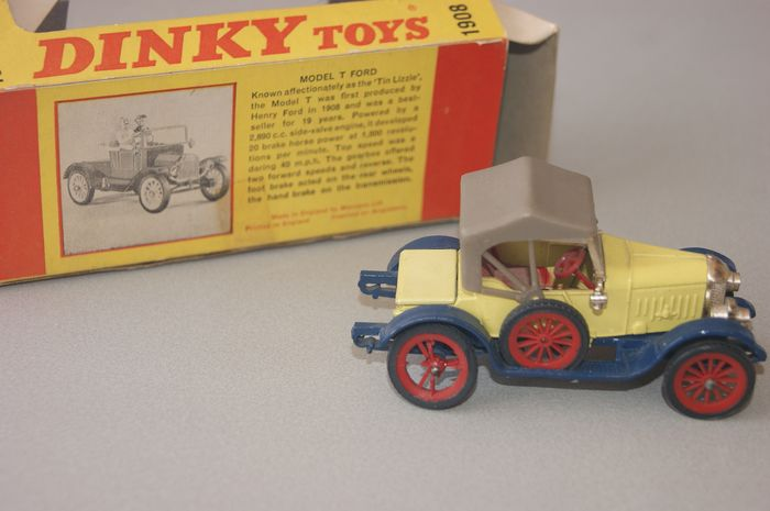 "Dinky Toys - 1:48 - 1913 ""Morries Oxford"" (Bullnose) no.476 - In Original Window-Box - 1967"