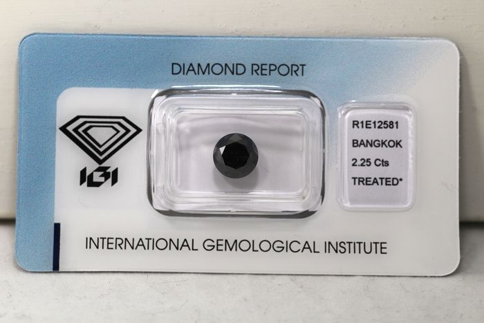 Diamond - 2.25 ct - Brilliant - ( Color Treated ) - * NO RESERVE PRICE *