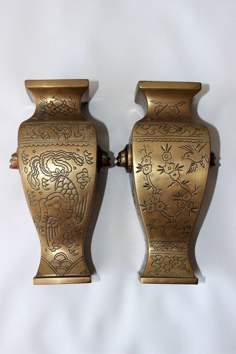 marked square bronze vases (2) - Bronze - birds and flowers - China - Circa 1900