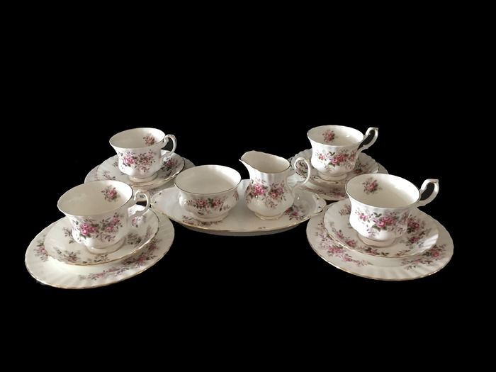 Royal Albert 4 persons Lavender Rose 15 pieces (15) - Porselein