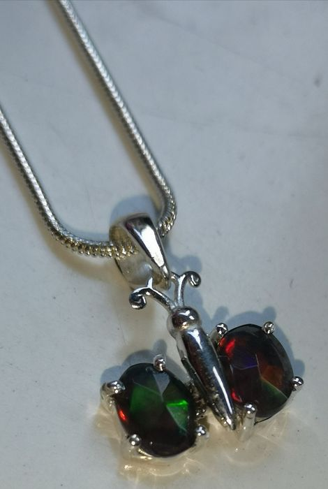 Silver pendant with black Opal + chain - 5×15×10 mm - 3.2 g - (2)