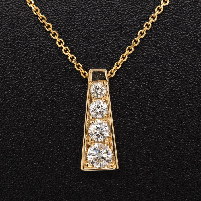 14 kt. Yellow gold, 1.84g - Necklace with pendant - 0.11 ct Diamond - No Reserve Price