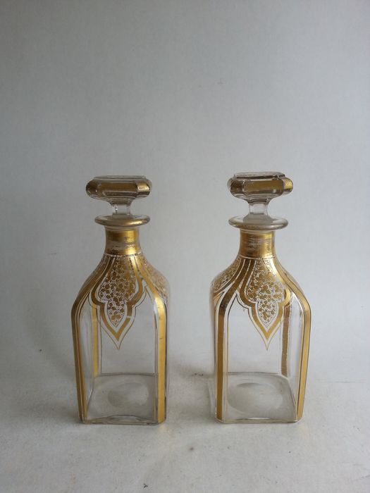 Pair of antique glass carafes with gold decoration - Glass