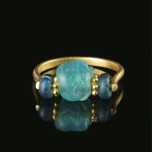 Ancient Roman Glass Ring with blue glass and melon beads - (1)