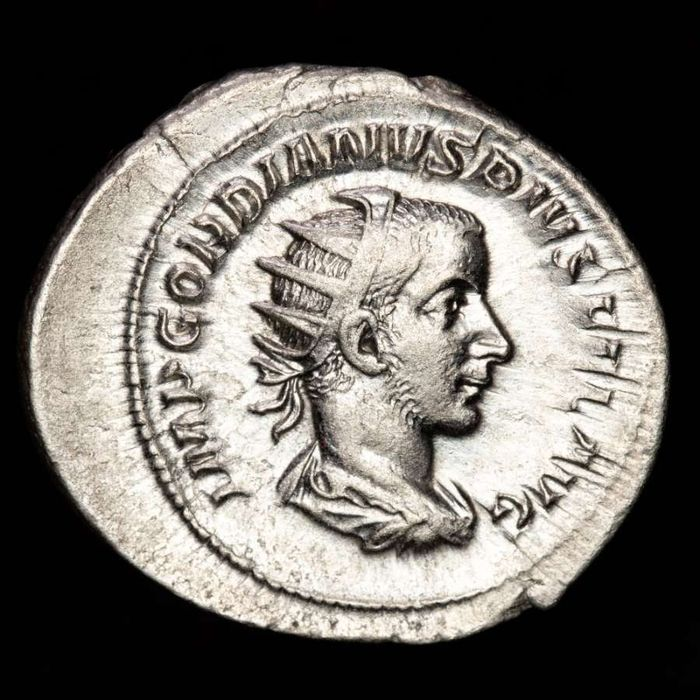 Roman Empire - AR Antoninianus, Gordian III (AD 238-244) VICTORIA AETERNA Victory supporting grounded shield and holding palm branch - Silver