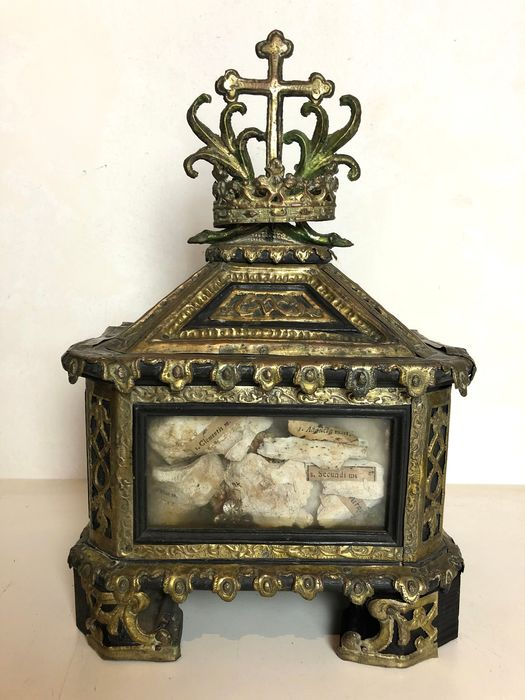 Reliquary - Baroque - Brass, Crystal, Textiles, Wood - Early 18th century