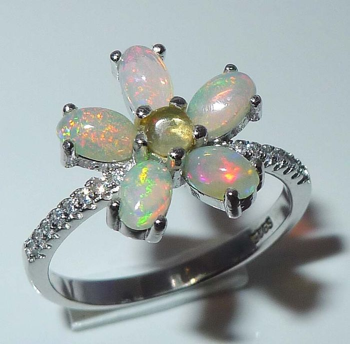 October birthstone - Opal cabochons in 925 Sterling silver - Ring - Polished - 2.25 g