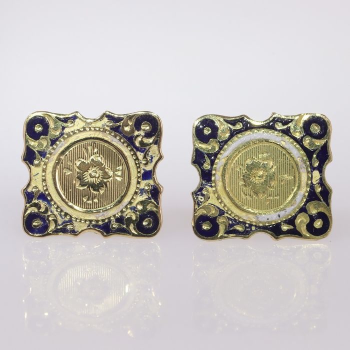 18 kt. Yellow gold - Earrings, Ear studs with engraved and enameled, Antique Victorian, Anno 1870 - NO RESERVE PRICE