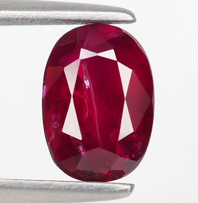 "Keine Reserve - ""Pigeon Blood"" Red Ruby - 1.51 ct"