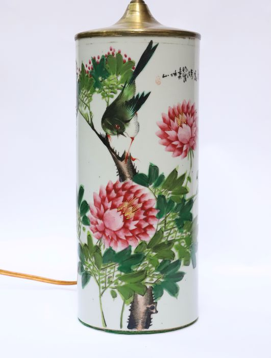 Hatstand as lamp with bird decor and calligraphy poem - Porcelain, Wood - China - Republic period (1912-1949)