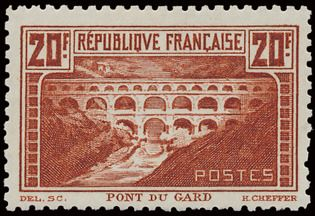 Frankreich 1929/31 - Pont du Gard, 20 francs light copper, line perforation 11. - Yvert 262B