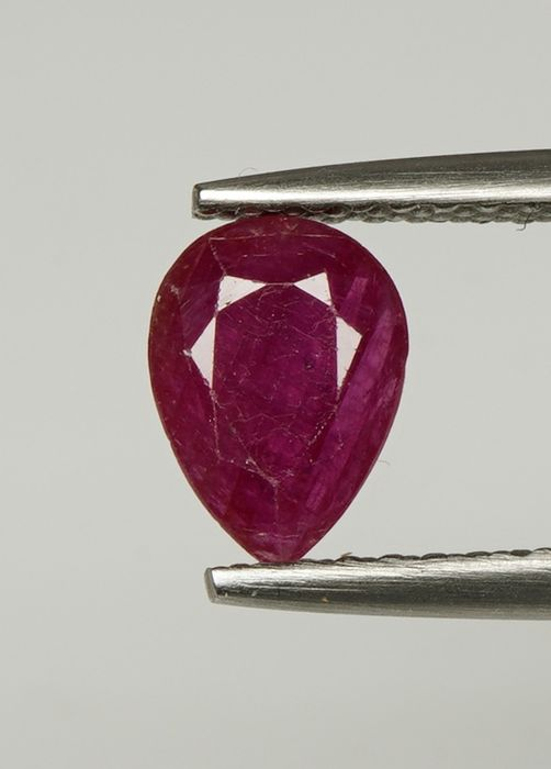 1 pcs Tiefrot - Keine Reserve Rubin - 0.76 ct