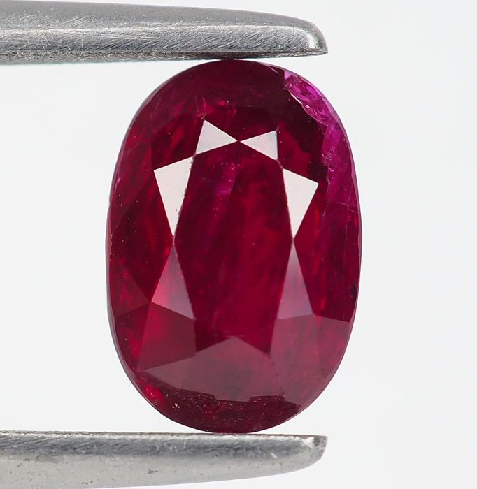 "Keine Reserve - ""Pigeon Blood"" Red Ruby - 1.53 ct"
