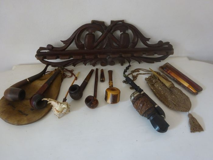 Antique pipes, tobacco bags and pipe rack - 12