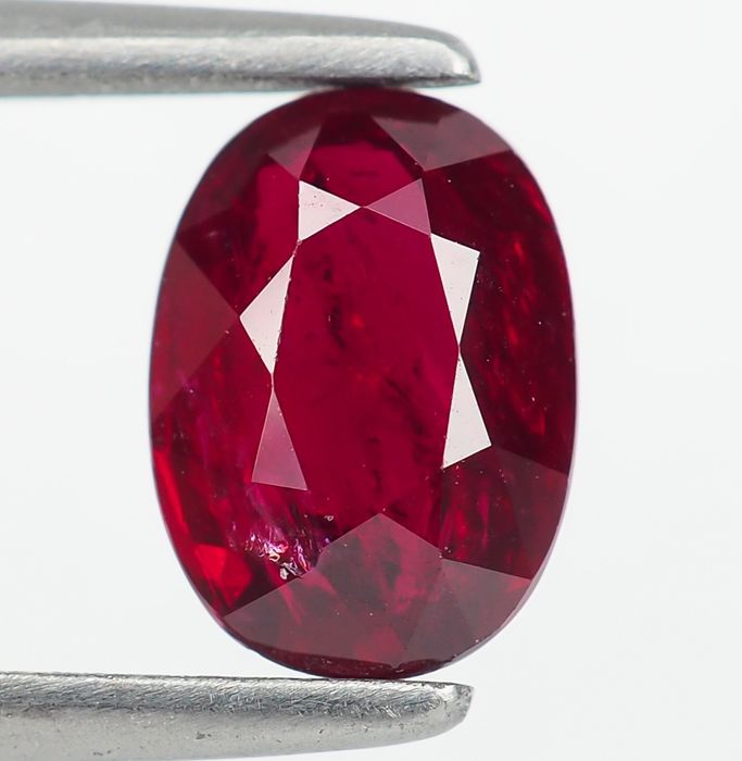 "Sin Reserva - ""Pigeon Blood"" Red Ruby - 1.55 ct"