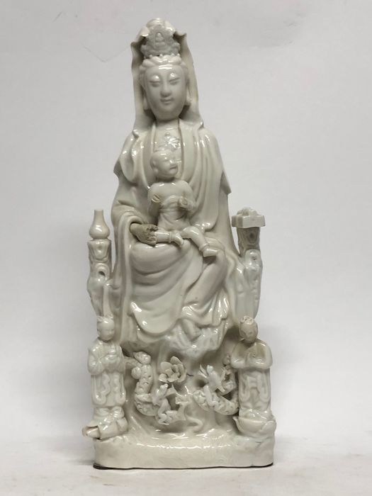 Guanyin statues - Porcelain - China - Early 20th century