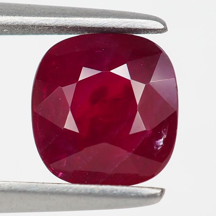 "Sin Reserva - ""Pigeon Blood"" Red Ruby - 1.63 ct"