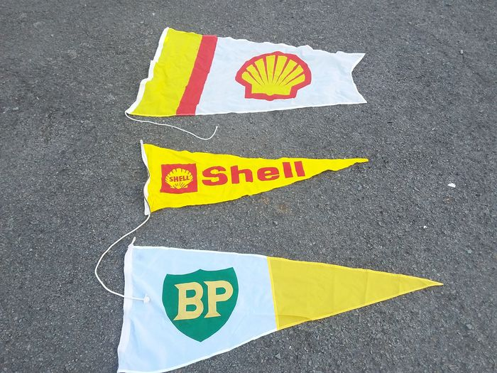 old flags gulf bp shell. - Benzinestations - BP, Shell