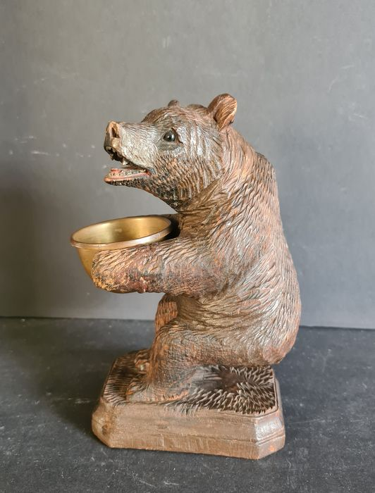 Black Forest bear (1) - Wood - Early 20th century
