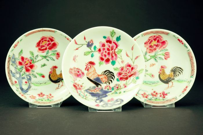 Saucers (3) - Famille rose - Porcelain - Rooster - China - 18th century