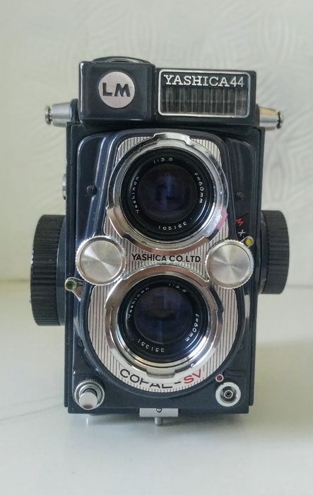 Yashica mod. 44 LM (Baby) +case