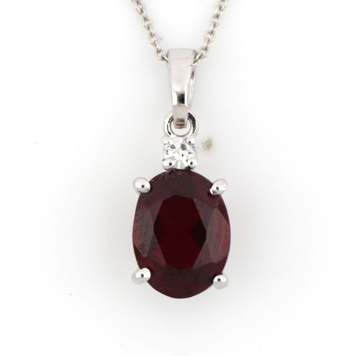 18 kt. White gold - Necklace, Necklace with pendant - 1.50 ct Garnet - Diamonds