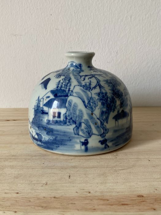 Water dropper - Blue and white - Porcelain - China - 21st century