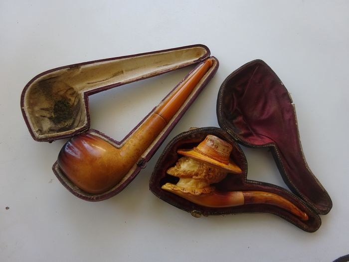 2 meerschaum pipes with amber mouthpiece
