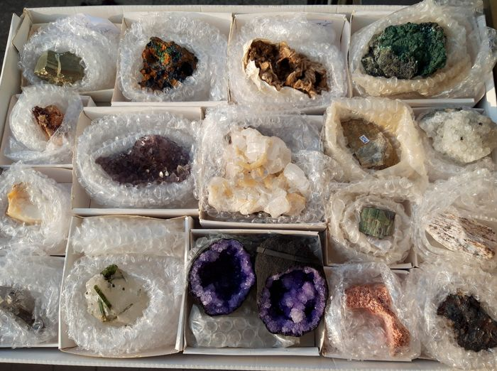 various all different from each other Mineral Collection - 2200 g - (17)