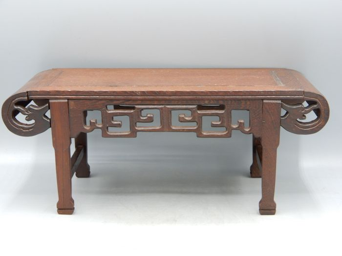 A small table for use as a stand - Hardwood - China - Second half 20th century