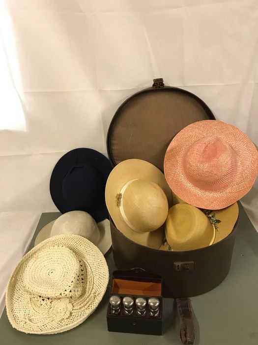 vintage leather hat case and leather perfume bottle case  (8)
