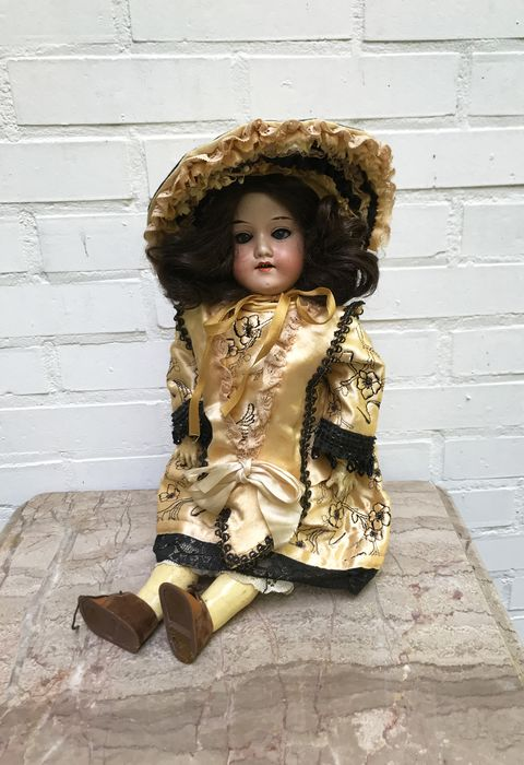 Armand Marseille - German Bisque head doll - 390n - Pop - 1900-1909 - Duitsland