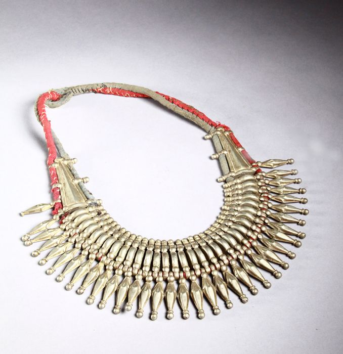 Necklace (1) - alloy including silver - Nepal - Terai - Mid 20th century