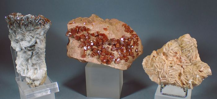 Vanadinite Mineral Collection - 1077 g - (3)