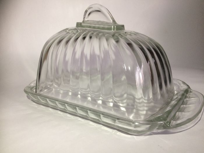 Cheese dome Art Deco style. - Press glass