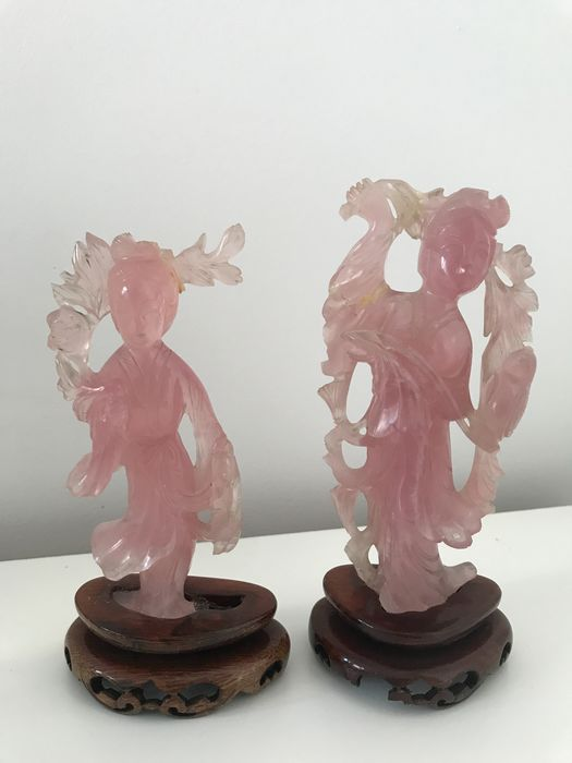 Sculptures (2) - Quartz pink - Woman with flowers - China - First half 20th century