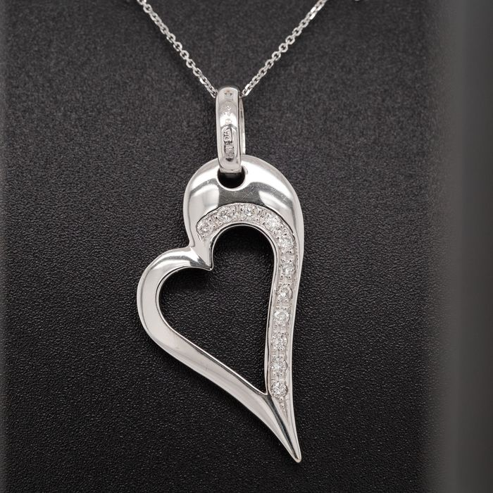 18 kt. White gold, 4.74g - Necklace with pendant - 0.23 ct Diamond - No Reserve Price